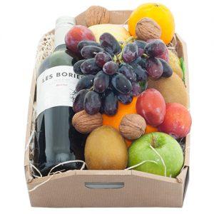 Fruitkistje met rode wijn